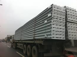 vận chuyển vật tư nhà lắp ghếp lên công trình Mù Cang Chải - Yên Bái